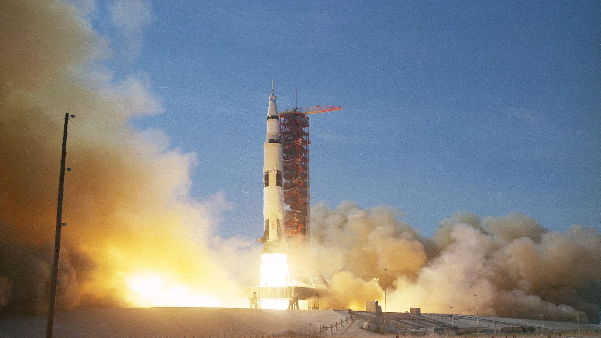 Apollo 11: lift off